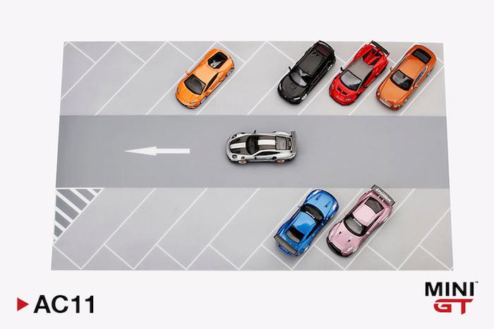 MINI GTの1/64ミニカー用パーキングジオラマを真上からみた写真