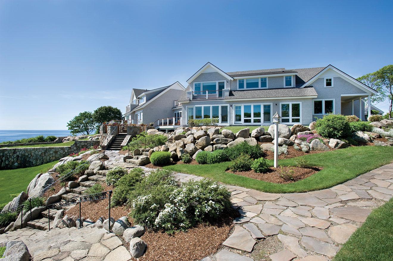 Wild Apple Homes - Cliffside Manor