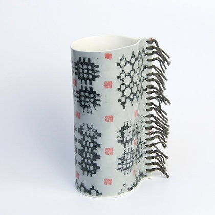 Fâs Carthen & Gwlân - Carthen Vase with Wool Fringe