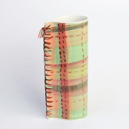 Fâs Blanced a Gwlân - Blanket Vase with wool fringe