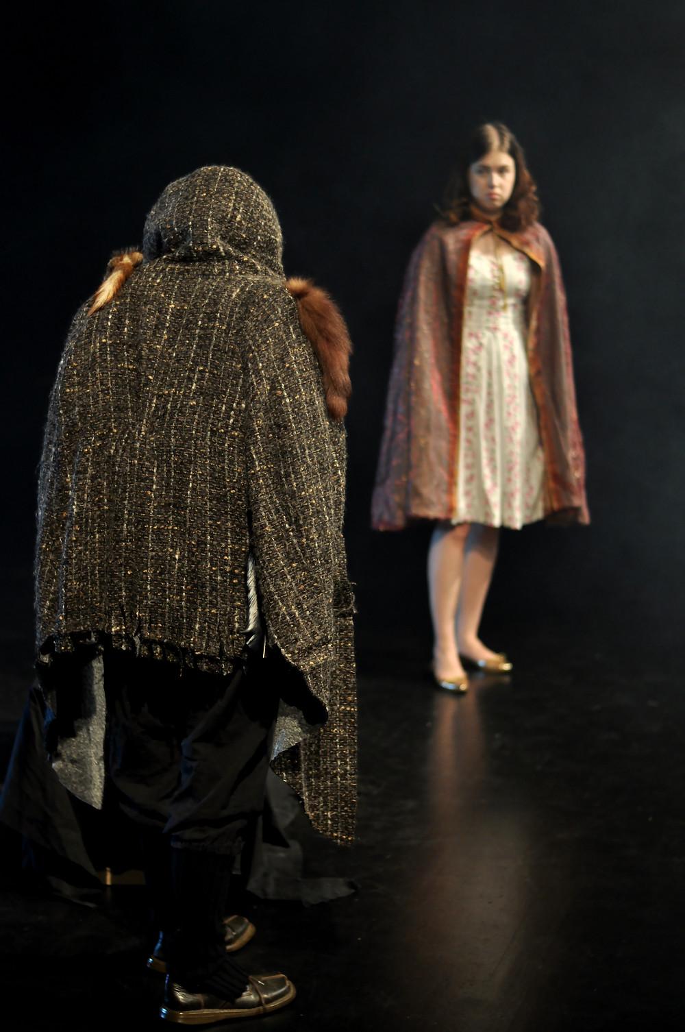 Kuva: Helena Knutas; Peto (Suvi Kosela), Kaunotar (Aino Liljanto)