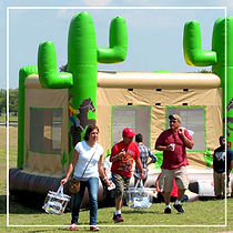 Bounce-Houses-for-Company-Picnics-at-Cir
