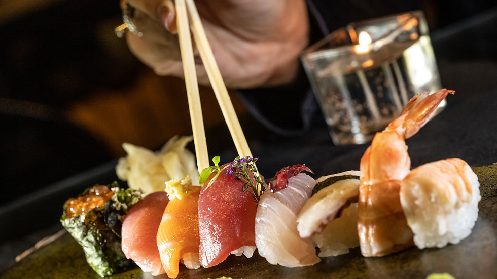 Combo 70 peças no Living Lounge Bar & Sushi