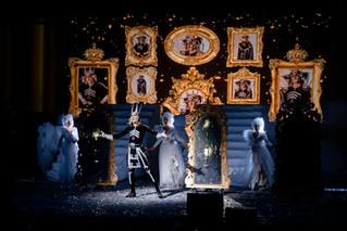 Новогоднее представление «Бабкины сказки-3» от театра «Русская песня»