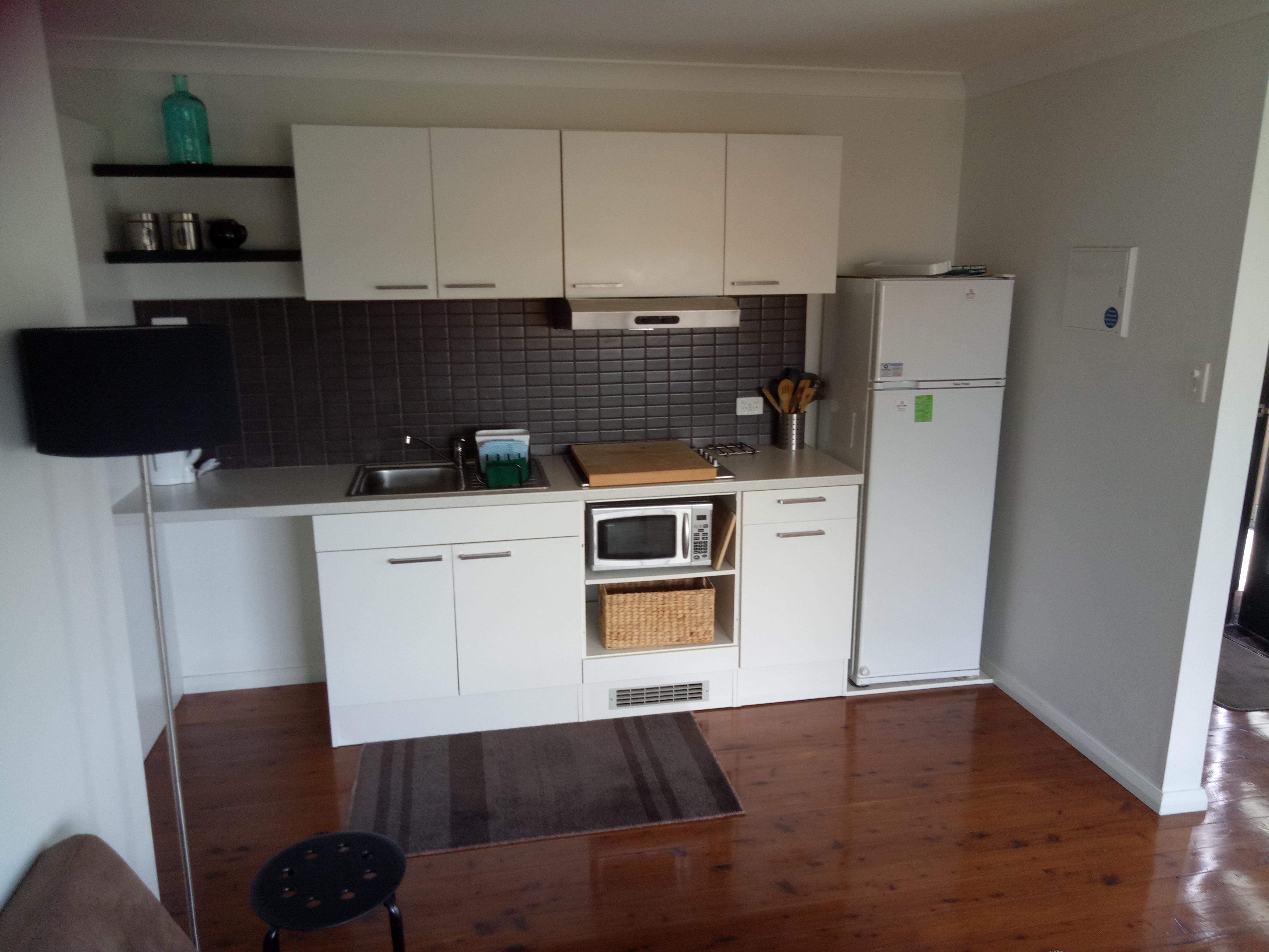Gallery Kitchen ( No oven)