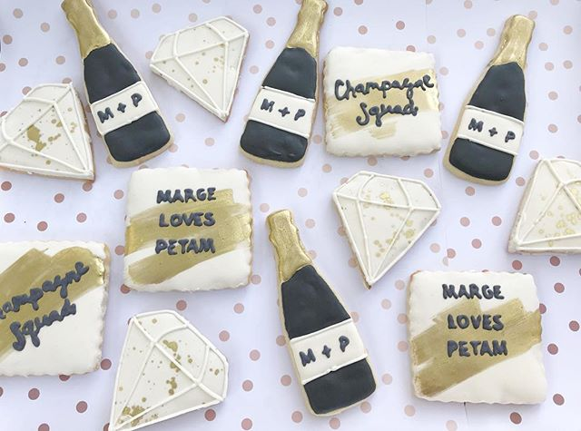 What a crazy week! I'm almost caught up. So many cookies! I love all the different themes I get to d