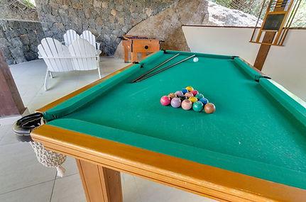 mesa-de-bilhar-salao-de-jogos-1024x678.j