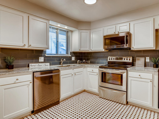 Beautifully Updated Bi-level In Lakewood Ready to Call Home!