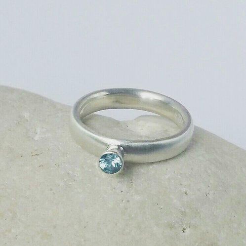 Solitaire Ring Simplicity Series