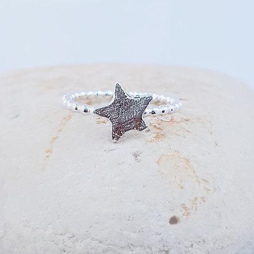 Skinni Minni Series Star Ring