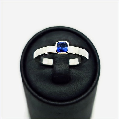 Sterling Silver blue Sapphire Solitaire Ring