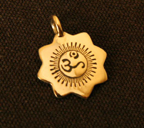 Radiating OM Pendant