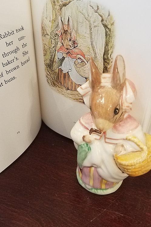 Mrs. Rabbit: Beatrix Potter Figurine BP-11