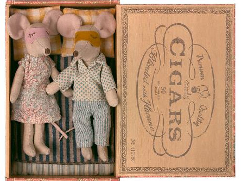 Maileg Parents in Cigar Box: Pre-Order Spring 2021 Catalog