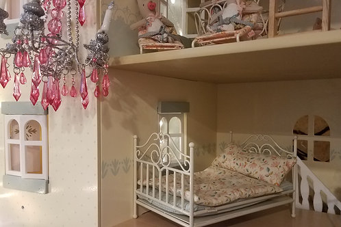 Vintage Bed for Mice-Cream