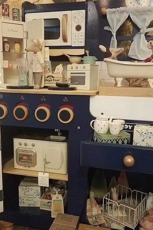 Maileg Miniature Kitchen-Back in Stock March 1, 2021