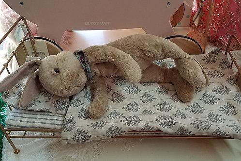 Gold Vintage Bed- Medium Rabbits & loads of mice
