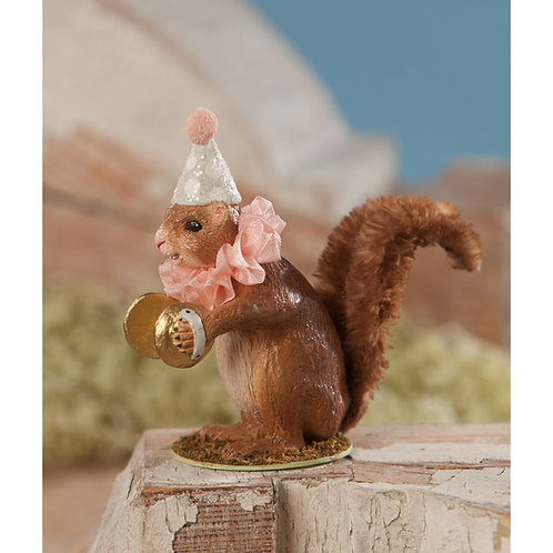 Musical Squirrel: Bethany Lowe