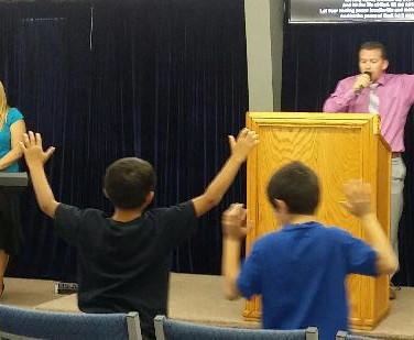 Kidsworshipping.jpg