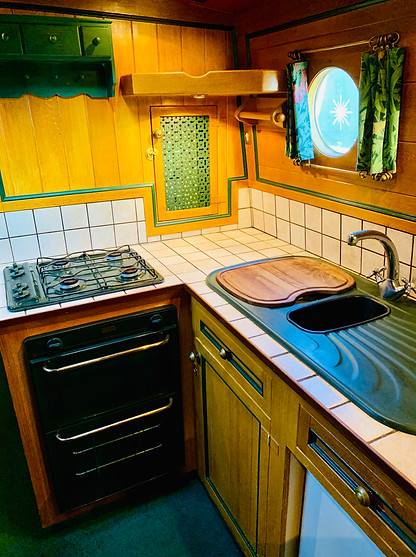 Narrowboat Ballinger - Galley