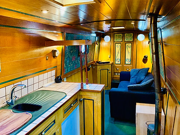 Narrowboat Ballinger - Galley & Saloon