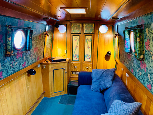 Narrowboat Ballinger - Saloon From Galley