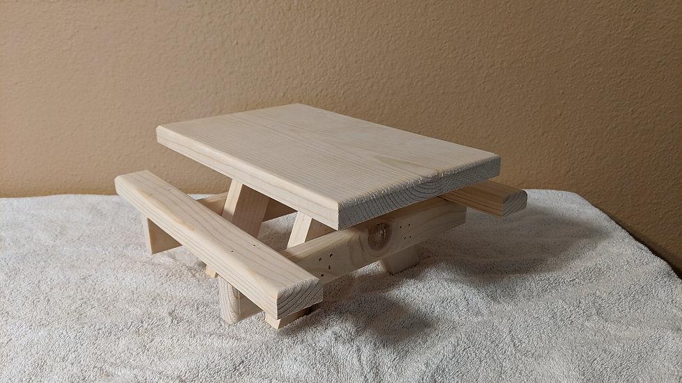 Plain Squirrel Table