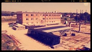 Начало строительства нового завода в Кросно.
