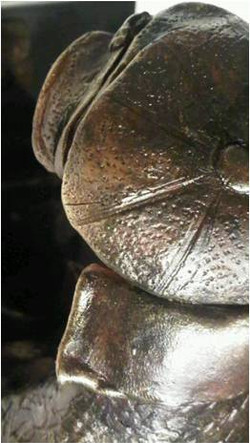 sculpture le liseur 2.jpg