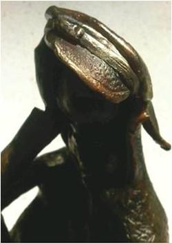 sculpture le liseur 1.jpg