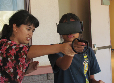 Kari Noe Demonstrates Virtual Reality at Math Day in Molokaʻi
