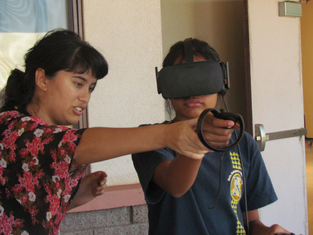 Kari Noe Demonstrates Virtual Reality at Math Day in Molokaʻi