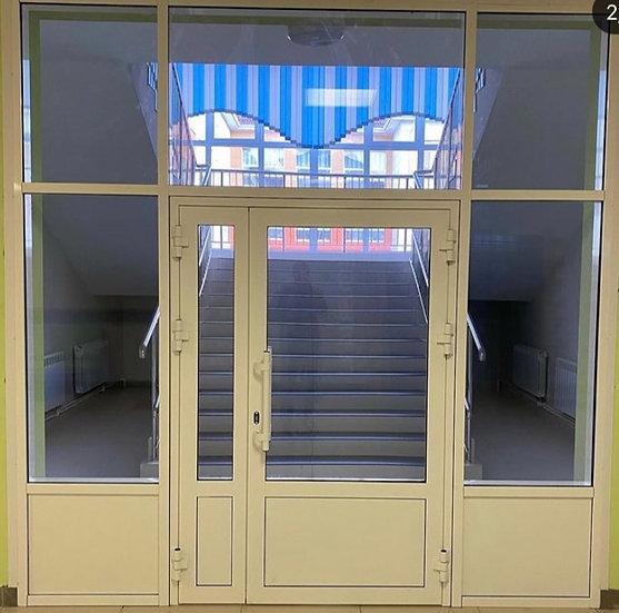 Противопожарные двери из алюминиевого профиля со стеклом