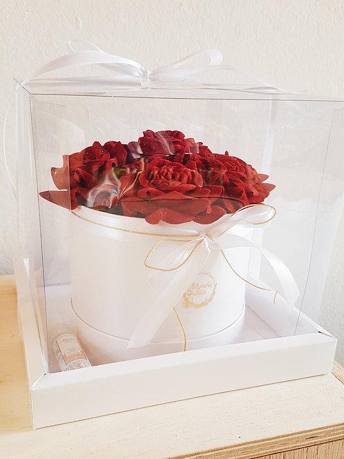 FLOWER BOX - CAIXA BRANCA E ROSAS VERMELHAS
