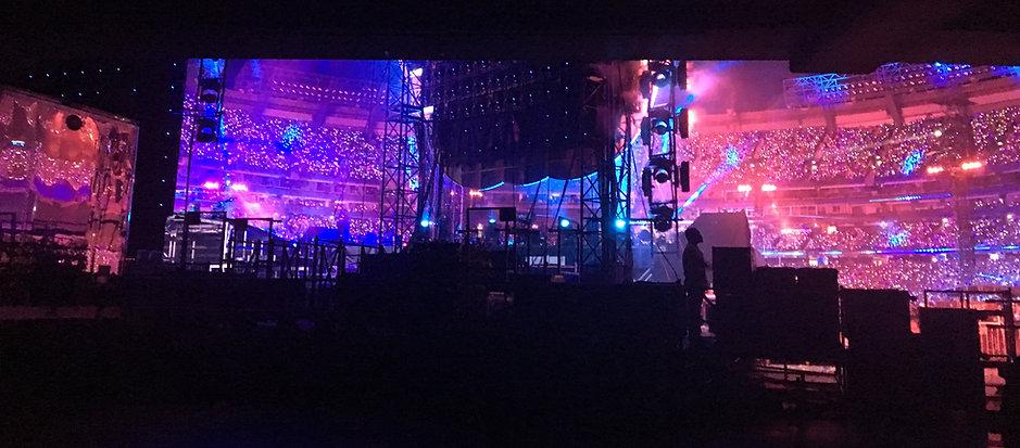 Behind the scenes Coldplay.JPG