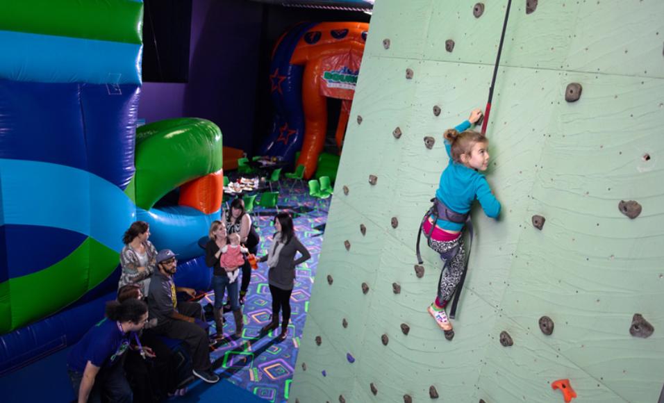 28 Indoor Playgrounds & Play Cafes Around Milwaukee