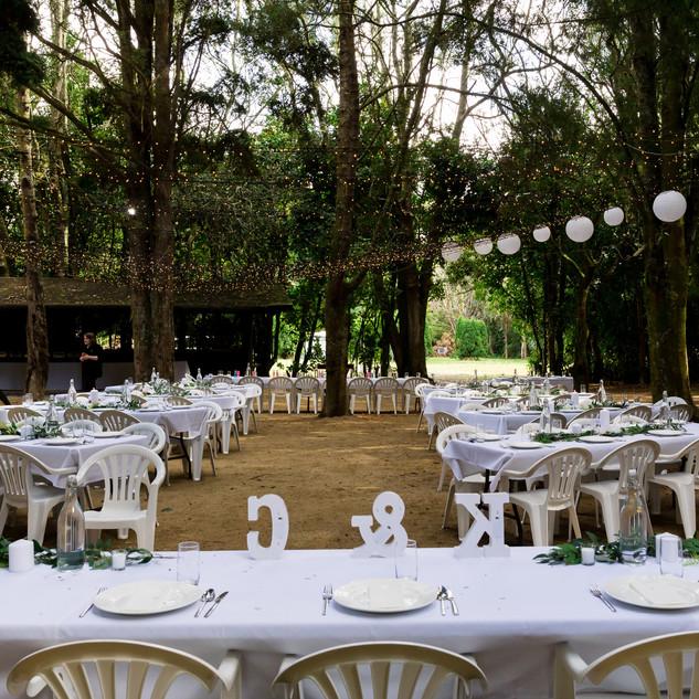 outdoor reception wedding photography at Tatum Park in Wellington, New Zealand