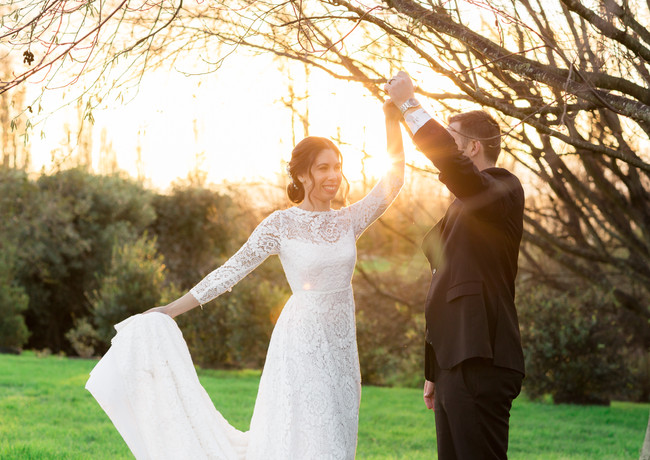 bride and groom winter sunset wedding photo at Peppers Parehua in Wellington, New Zealand