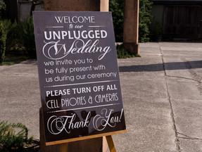 Having an Unplugged Wedding