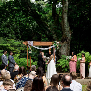outdoor ceremony wedding photography at Tatum Park in Wellington, New Zealand