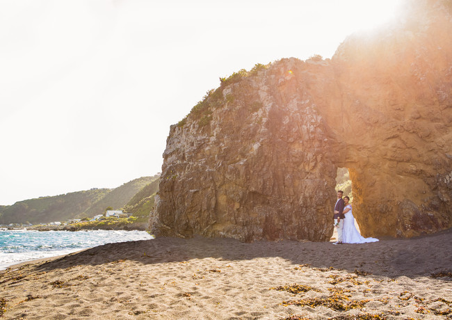 Bride and Groom sunset wedding photography at Breaker Bay in Wellington, New Zealand
