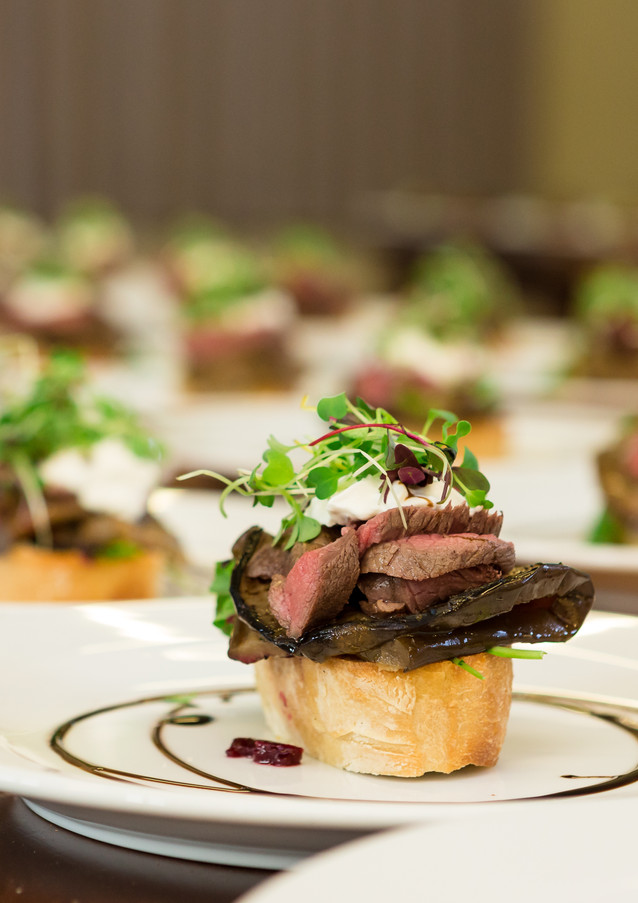 photo of a wedding meal at Silverstream Retreat in Wellington, New Zealand
