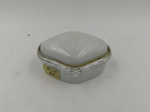 Porcelain pill box