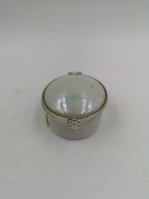 Porcelain pearl glaze pill box