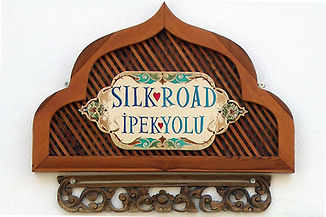 Collection of antique items and jewellery from the historic silkroad