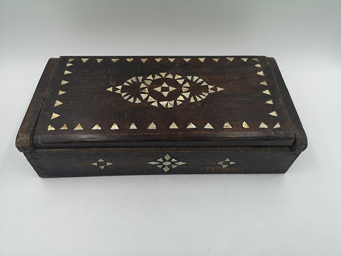 Endonasian mother of pearl box