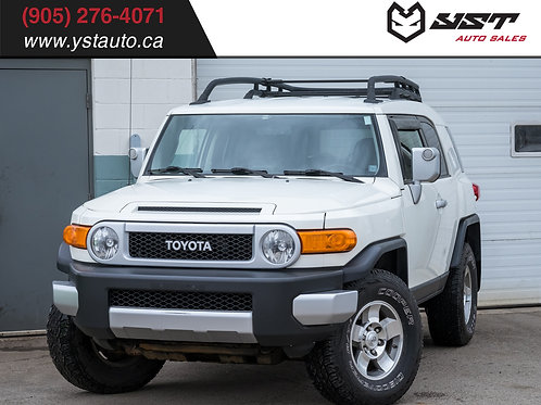 2010 Toyota FJ Cruiser 4WD | AT | No accident | Heated seats| Backup Cam