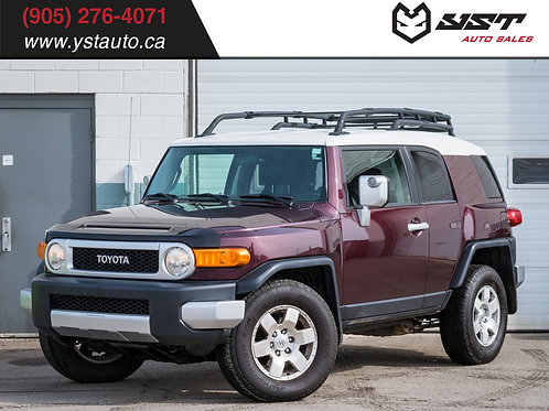 2007 Toyota FJ Cruiser | 4x4 | AT | No accident | Low KM |