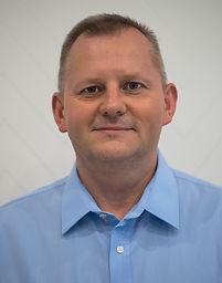 Dariusz Adamiec lekarz stomatolog chirurg protetyka implanty