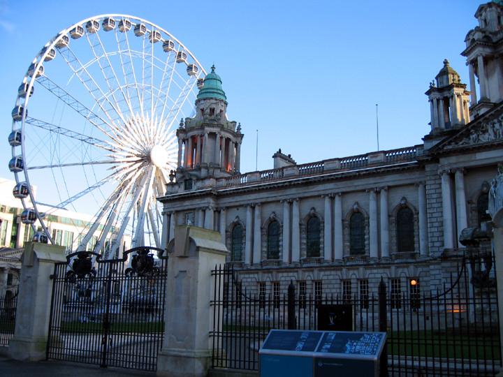 Belfast_CityHall_and_Wheel.JPG